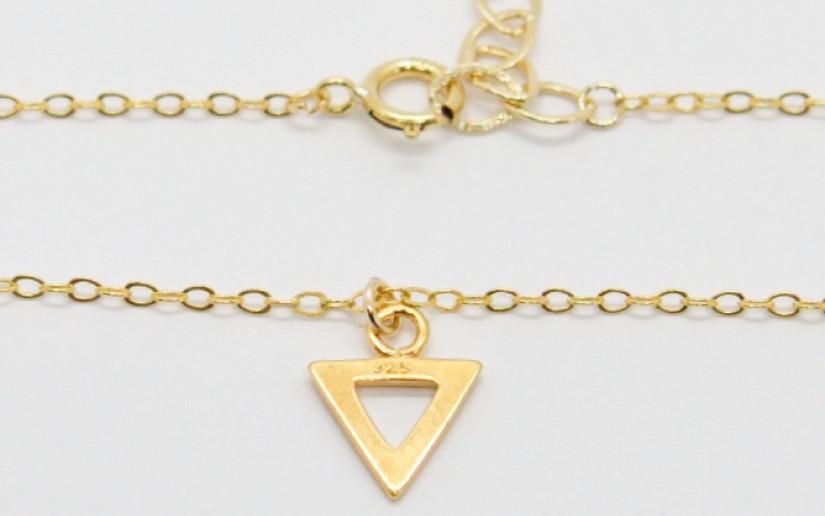 Schlichte Armkette mit Dreieck-Anhänger