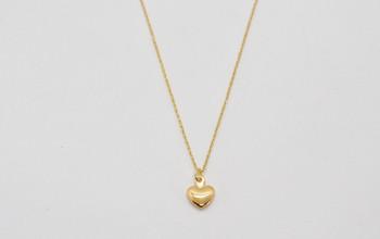 Schlichte goldene Halskette mit Herz