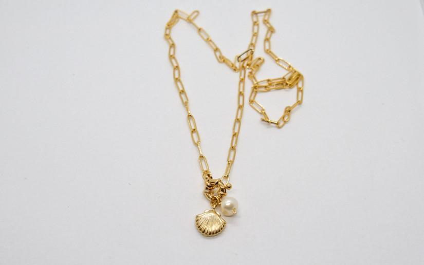 Goldene Gliederkette mit Perle und Muschel