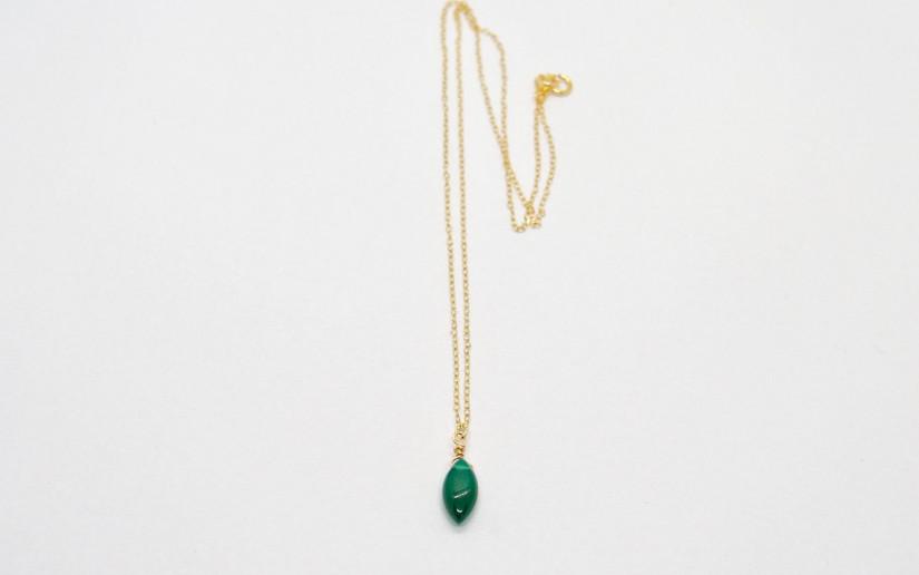 Zierliche Halskette mit grünem Achat Anhänger