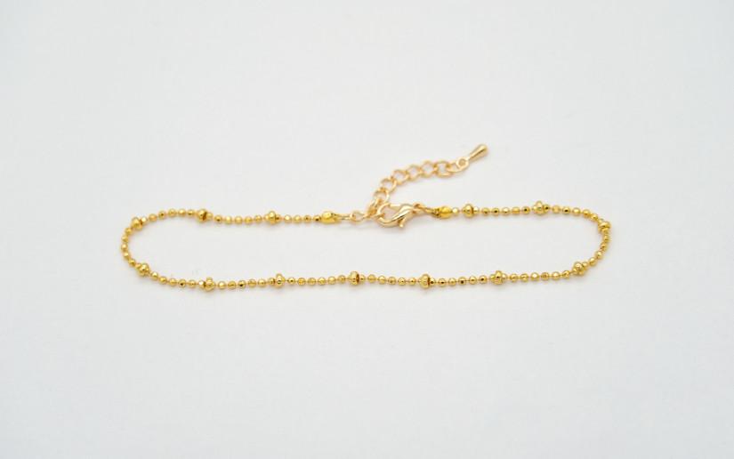 Schlichte goldene Fusskette