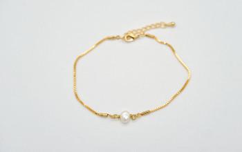 Goldene Fusskette mit Süsswasser Perle