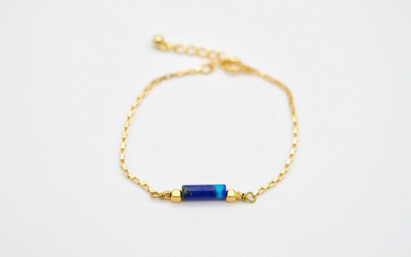 Goldene Box Armkette mit grosser Lapislazuli Perle