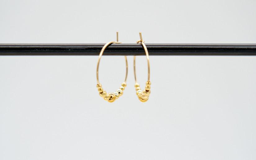 Goldene Creolen mit Gold-Perlen