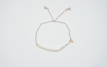 Feines Armband mit kleinen Süsswasser-Perlen