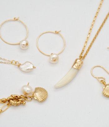 Perlen und Muscheln